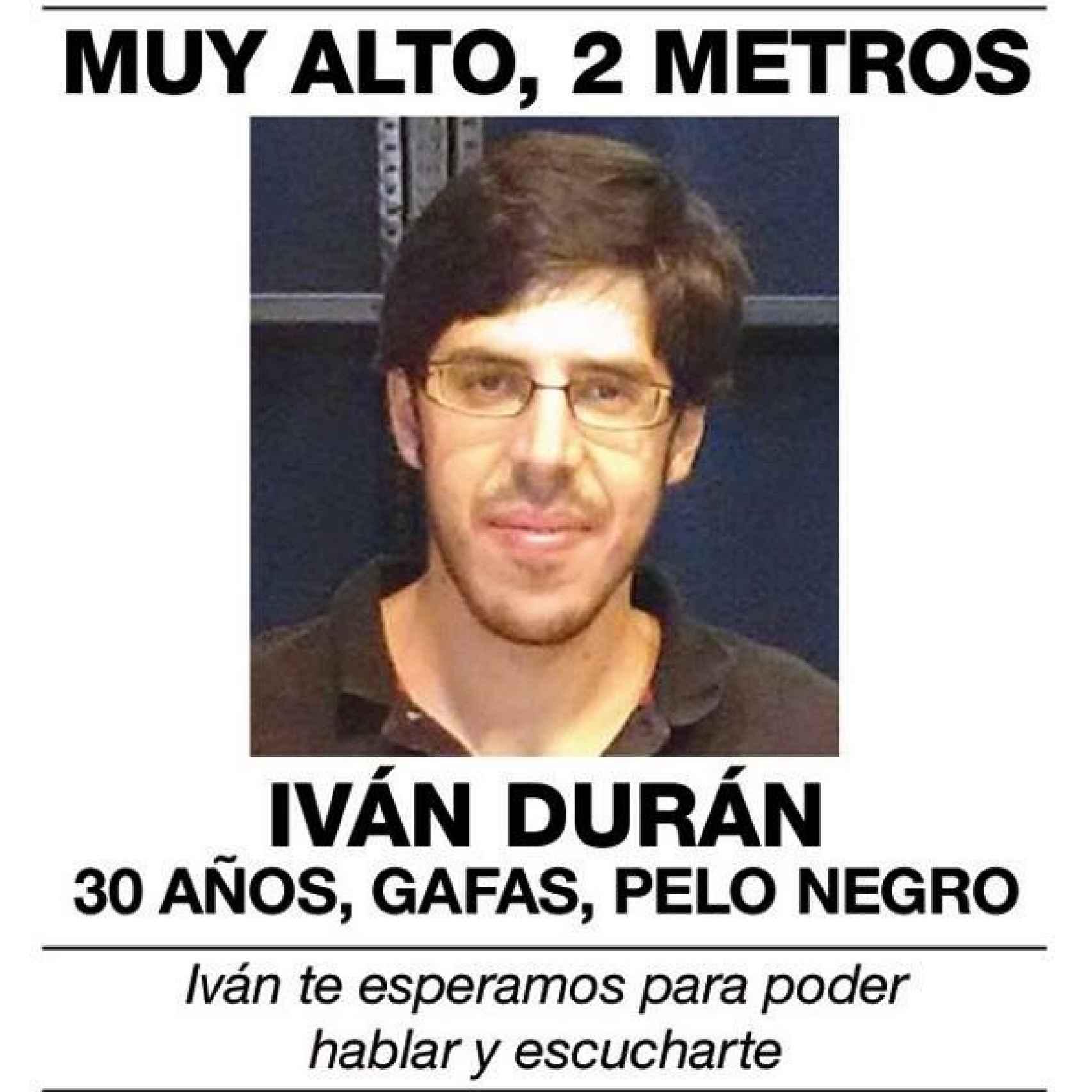 Iván tiene treinta años y es natural de Vigo. Residía en Baiona con sus padres hasta su huida