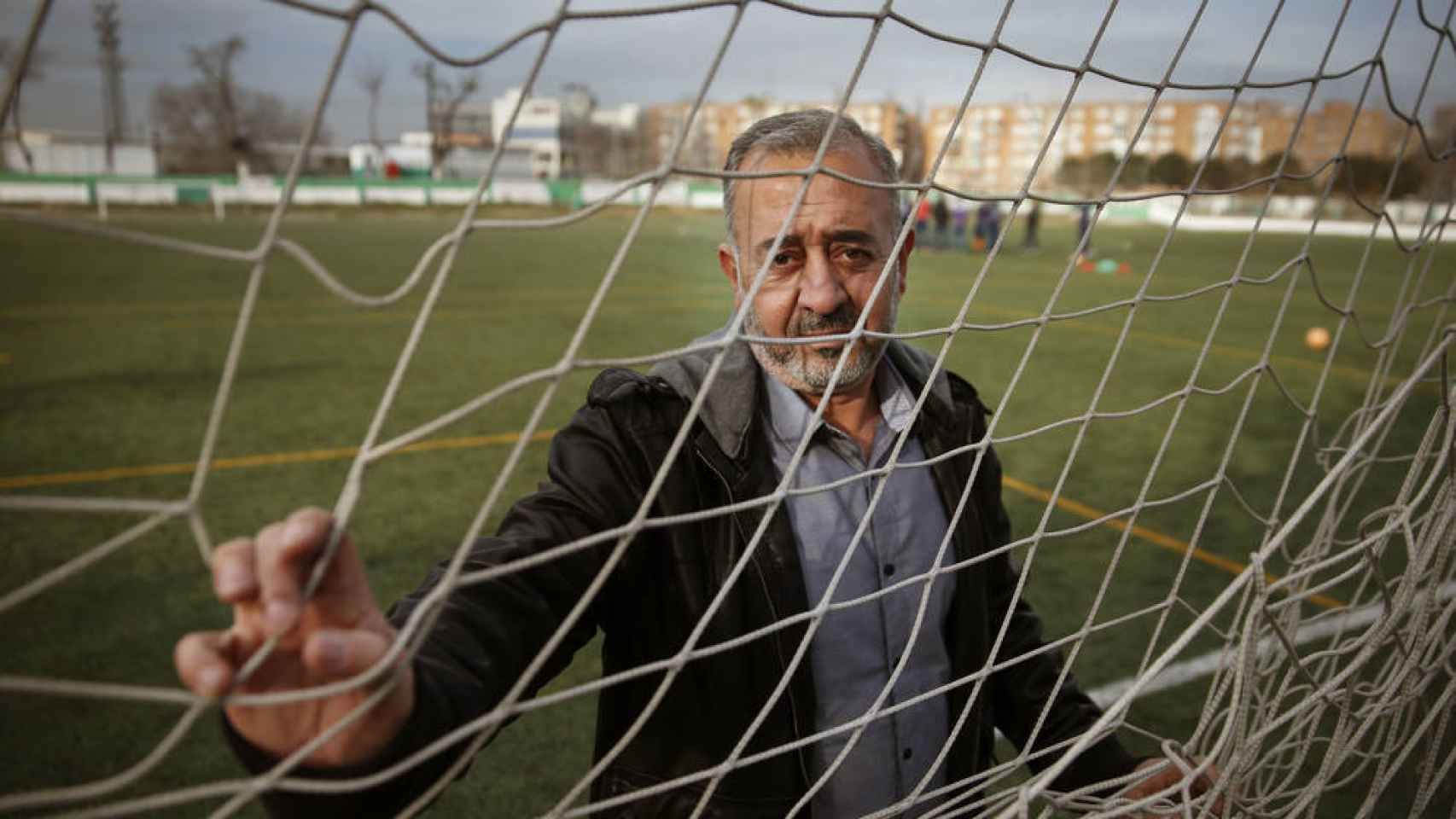 Osama Abdul Mohsen, en un campo de fútbol.