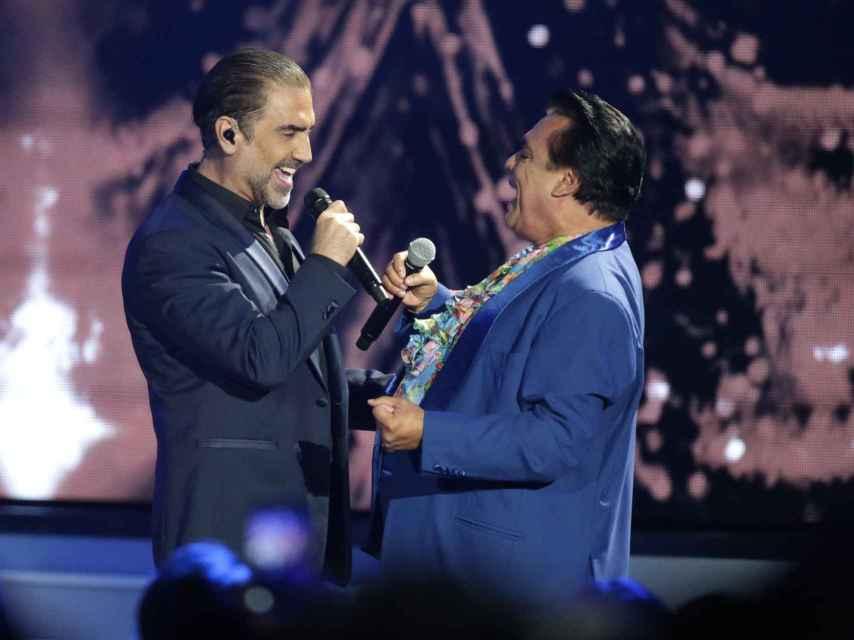 Una de sus últimas actuaciones de Juan Gabriel con Alejandro Fernández