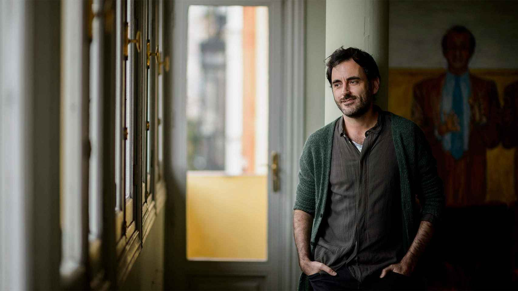 Pablo Messiez dirigió La piedra oscura, por la que se llevó el Premio Max.