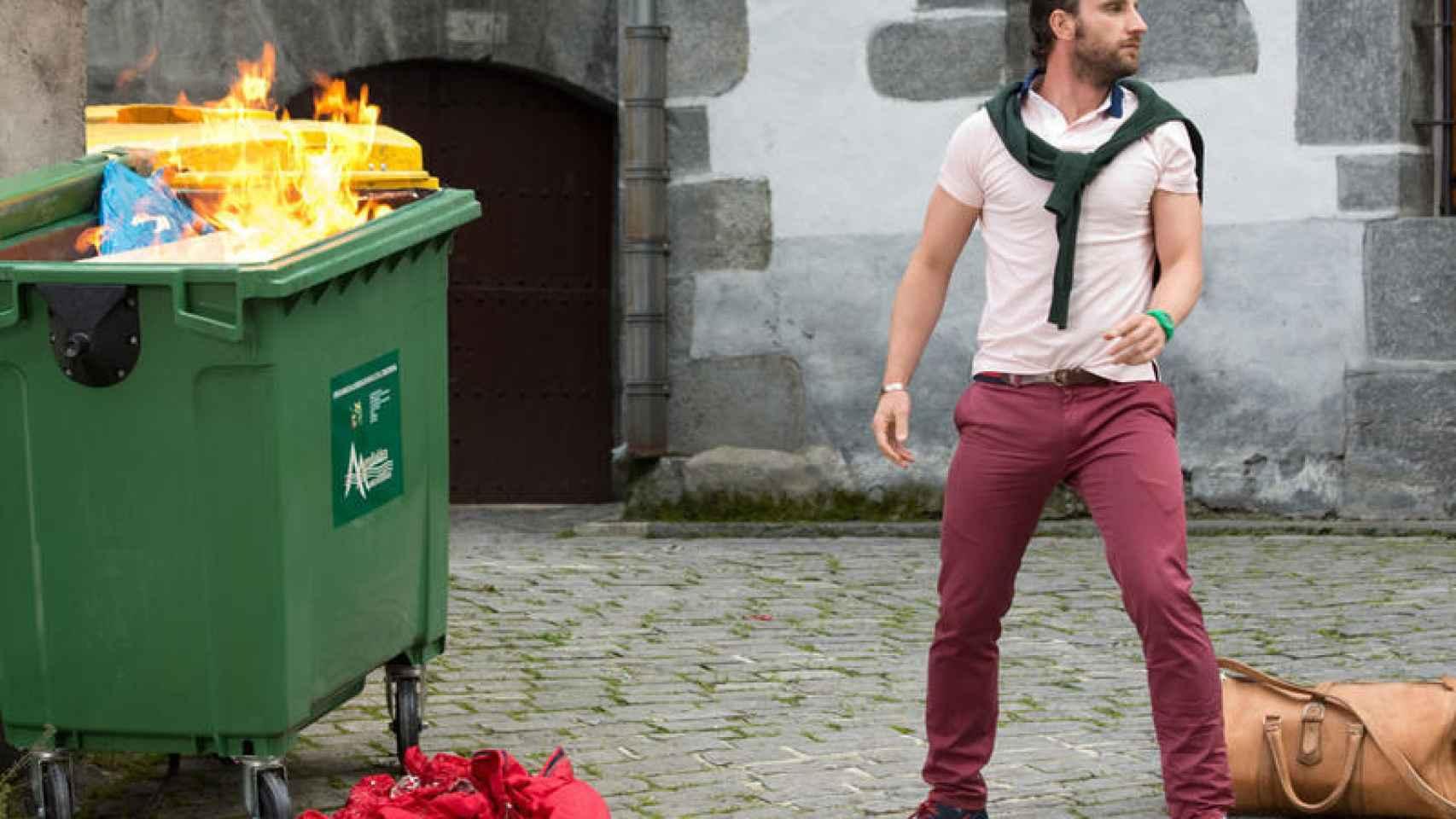Fotograma de la película Ocho apellidos vascos, en la que el actor Dani Rovira protagoniza a un sevillano que se enamora de una vasca.