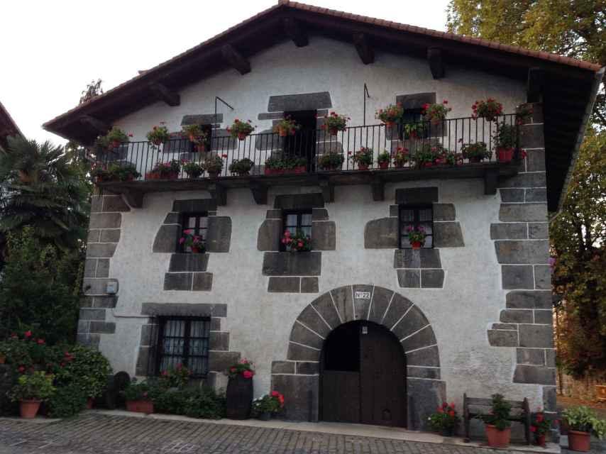 Caserío usado en el rodaje como vivienda de la actriz Clara Lago, que en la película se llama Amaia.