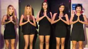Prostitutas de negro, saunas cerradas: Tailandia, de luto indefinido