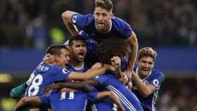 El Chelsea humilla a Mourinho (4-0) y aprieta la Premier