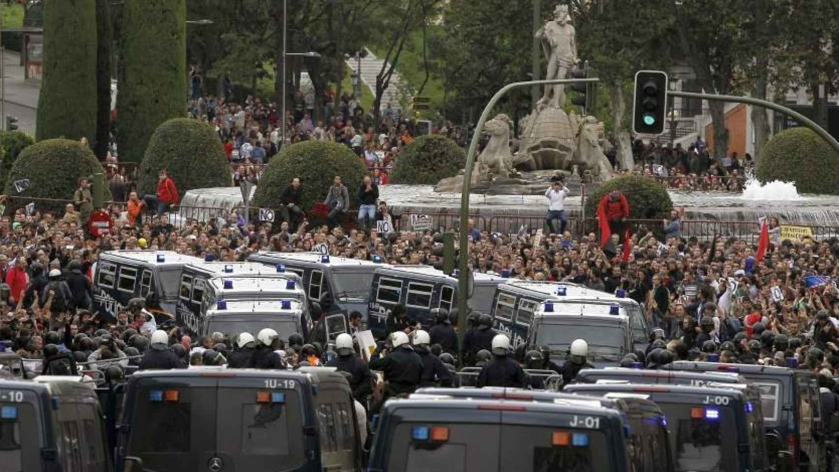 Manifestación que pretendía 'rodear' el Congreso de los Diputados en 2012