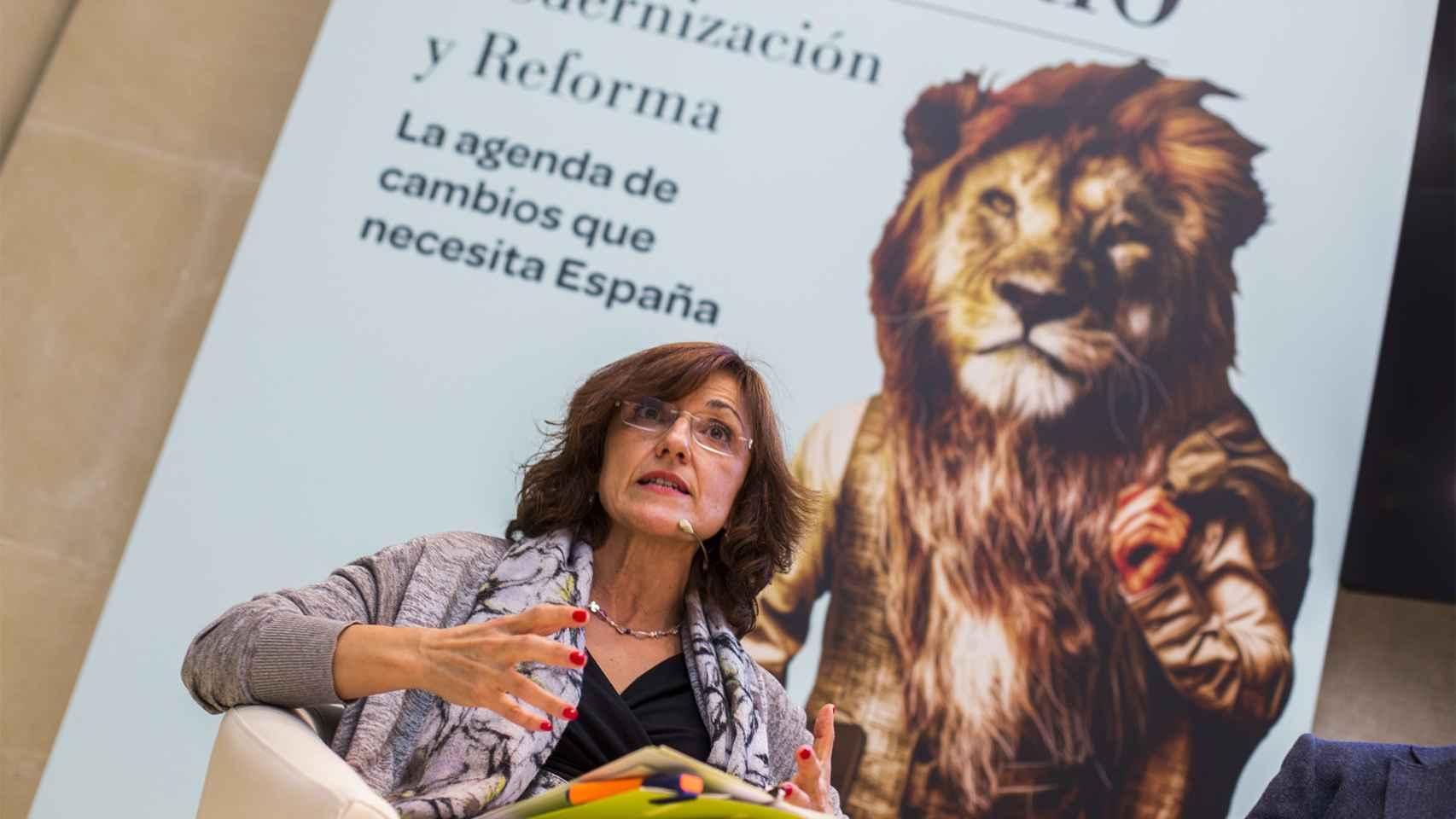 Mercedes Chacón, directora de FP Dual de Bankia durante su intervención