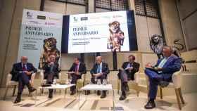 De izquierda a derecha: Gregorio Cámara, Santiago Muñoz Machado, Francisco Moreno, Jorge de Esteban, Francesc de Carreras y John Müller