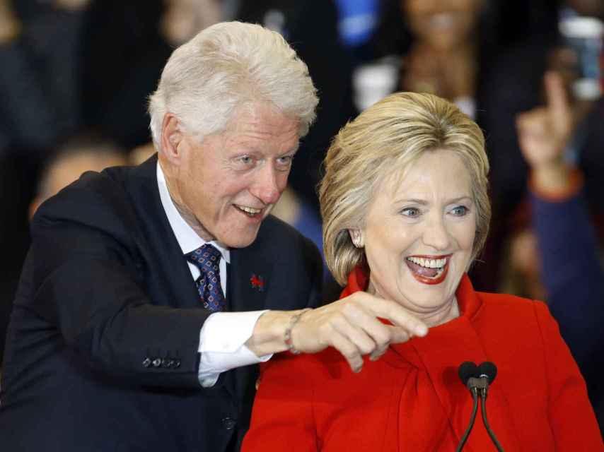 El matrimonio Clinton durante la campaña electora.