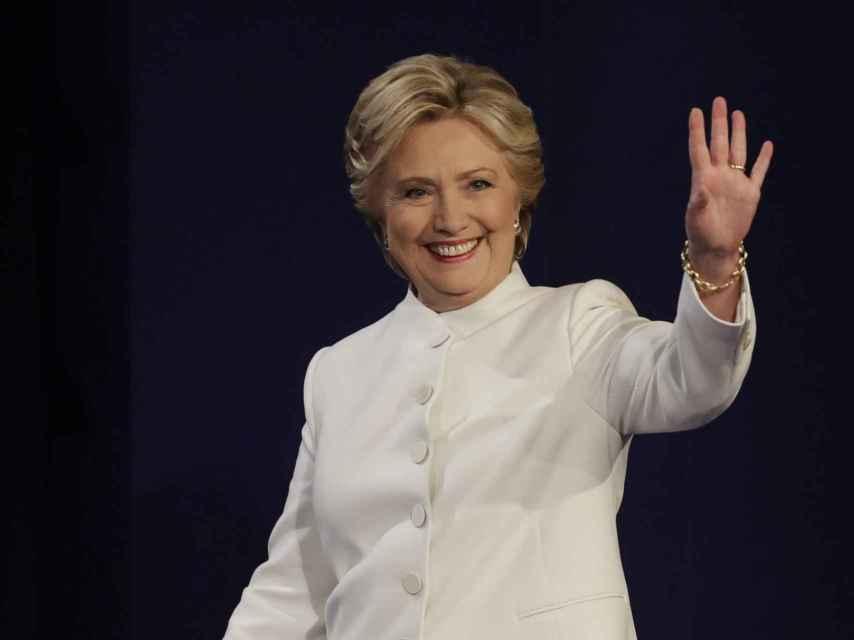 Hillary Clinton, sonriente, a punto de cumplir años.