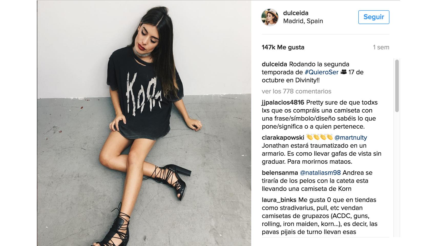 La famosa Blogger Dulceida con una camiseta maxi.