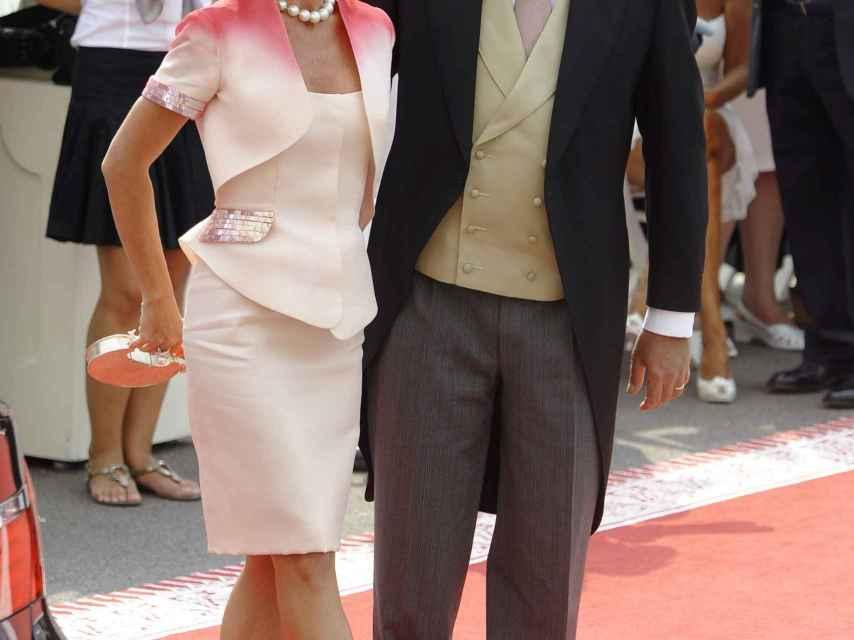 El duque de Castro y su mujer, durante un acto oficial.