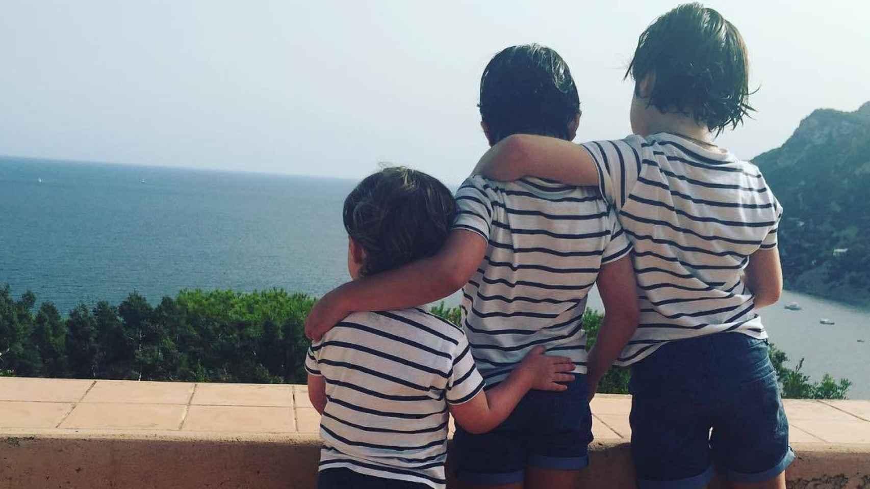 Los tres hijos de Amelia Bono y Manuel Martos
