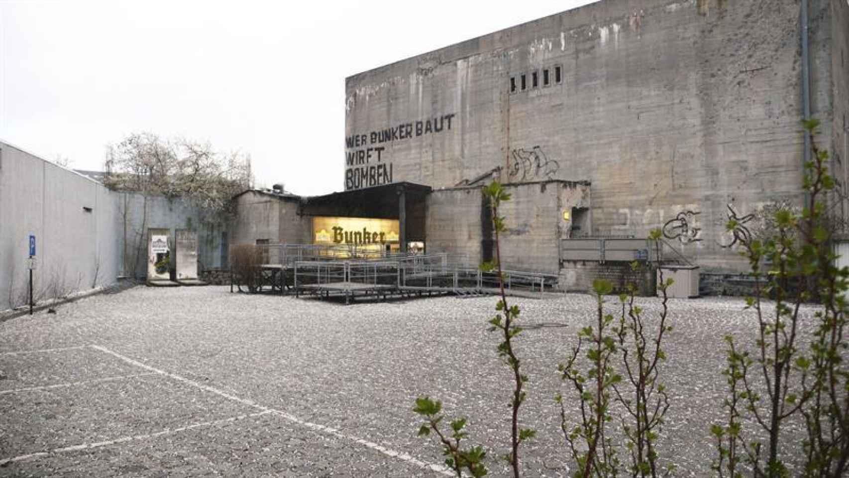 Fotografía facilitada por Historiale eV de una réplica del estudio de Adolf Hitler donde se suicidó.