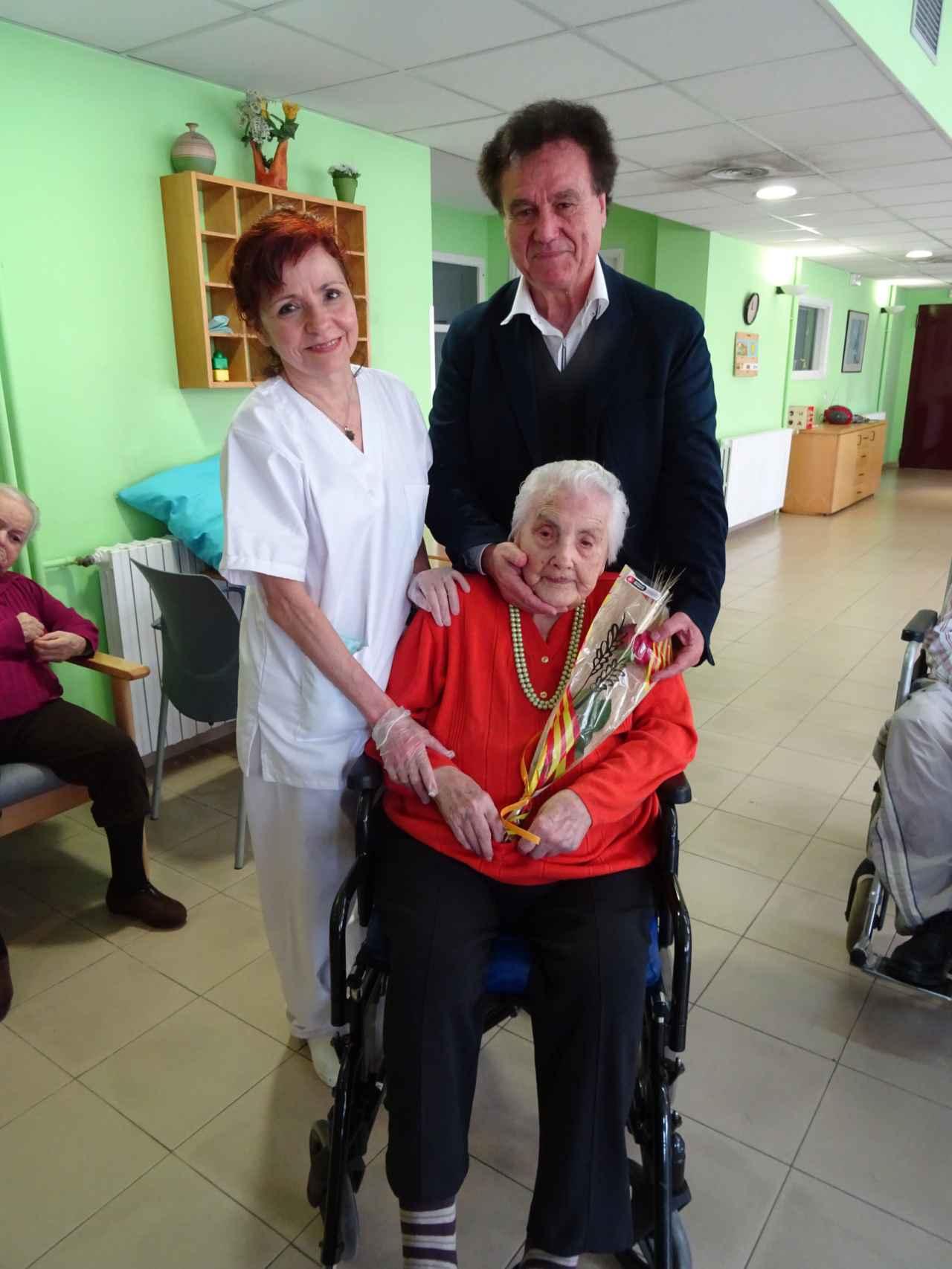 Antonio Herrera, conseller del Distrito de Sant Martí, junto a Ana María Vela el año pasado.