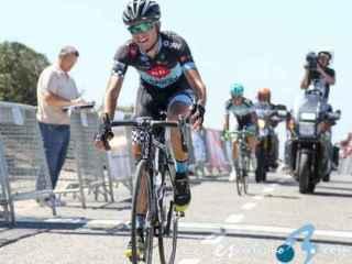 Alberto Gallego, subido en la bicicleta.