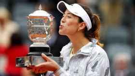 Muguruza celebra su victoria en Roland Garros en este 2016.