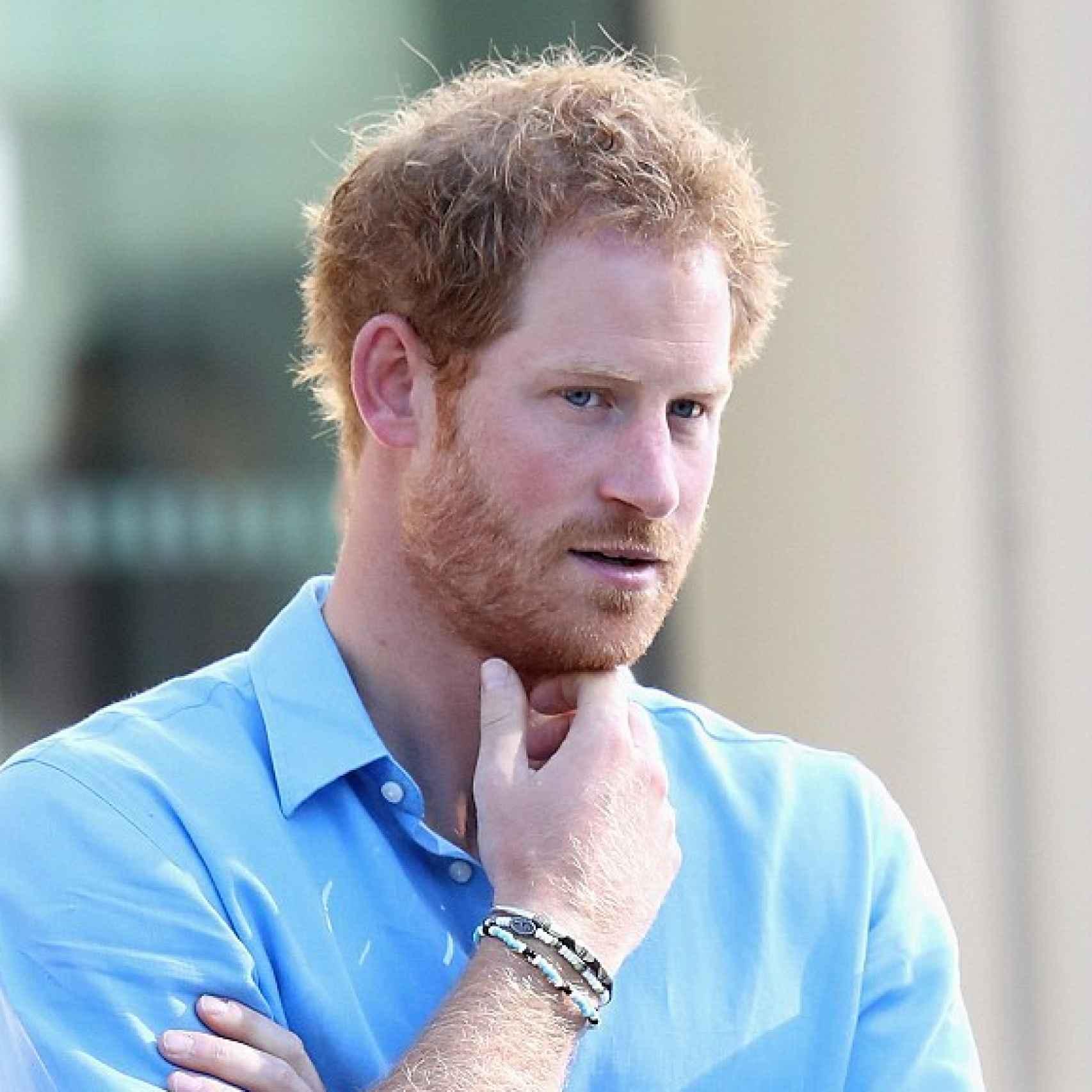 El príncipe Harry con la misma pulsera que su supuesta novia