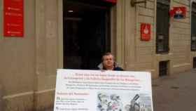 José Luis Burgos manifestándose contra el Banco Santander