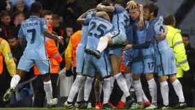 Los jugadores del City celebran un gol.