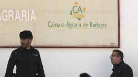 La Guardia Civil en la Cámara Agraria de Badajoz.