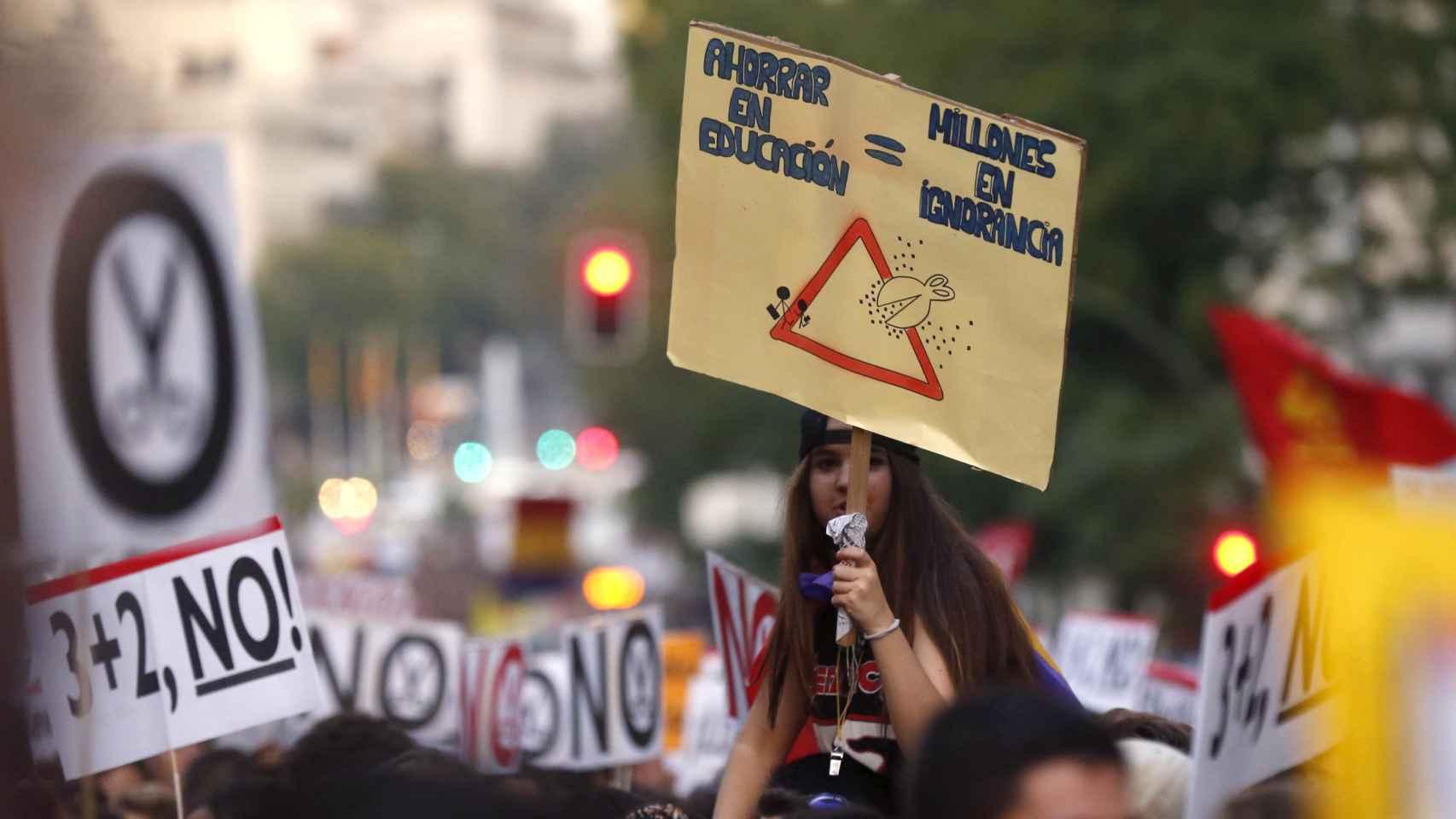 Manifestación contra las reválidas convocada por Estudiantes y Padres el 26 de Octubre