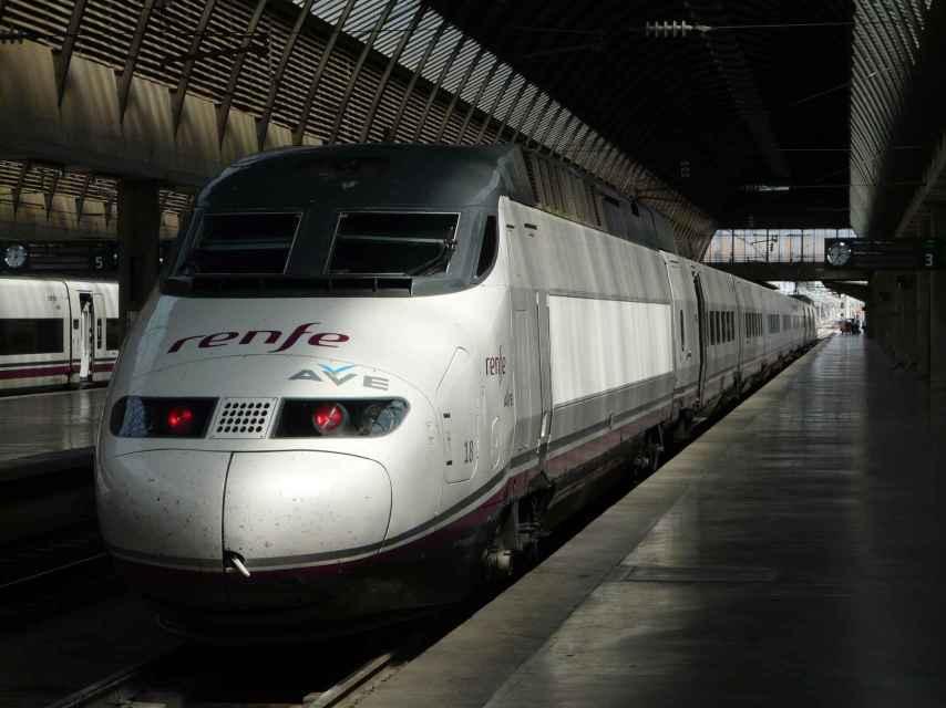 Uno de los trenes de alta velocidad de Renfe.