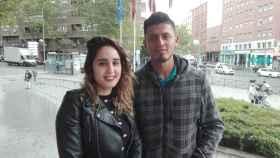 Cintia y Diego, de 26 años, piensan en comprar una vivienda protegida, pero no creen que puedan pagarla.