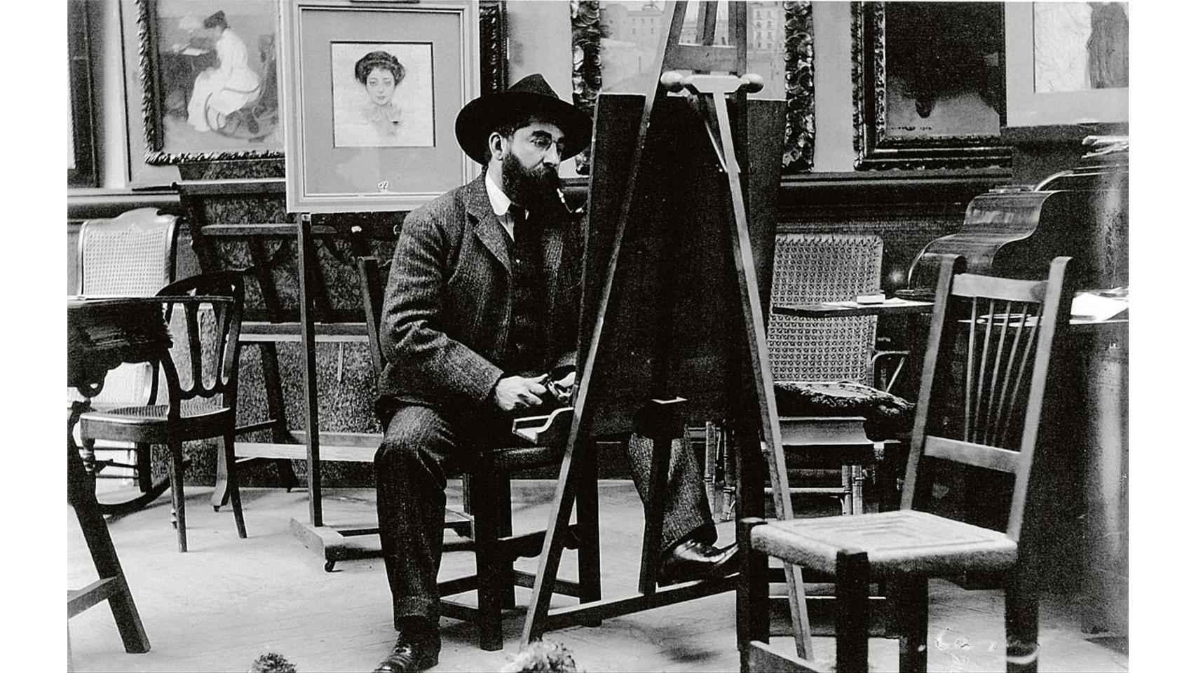 Ramón Casas pintando en su casa de Paseo de Gracia. 96.