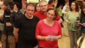 Adrià Alemany con su pareja, la alcaldesa Ada Colau