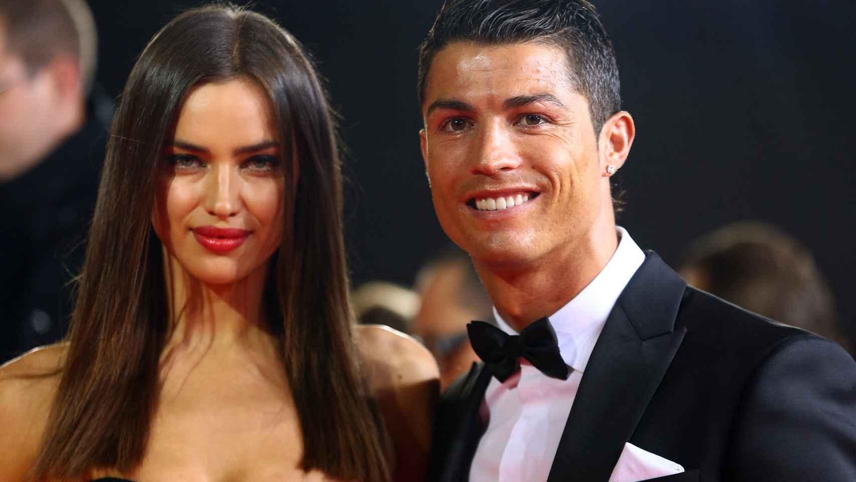 Irina Shayk y Cristiano Ronaldo posan sonrientes cuando aún eran pareja.