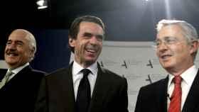 Aznar, Pastrana y Uribe han reclamado que se respete la voluntad del pueblo colombiano.