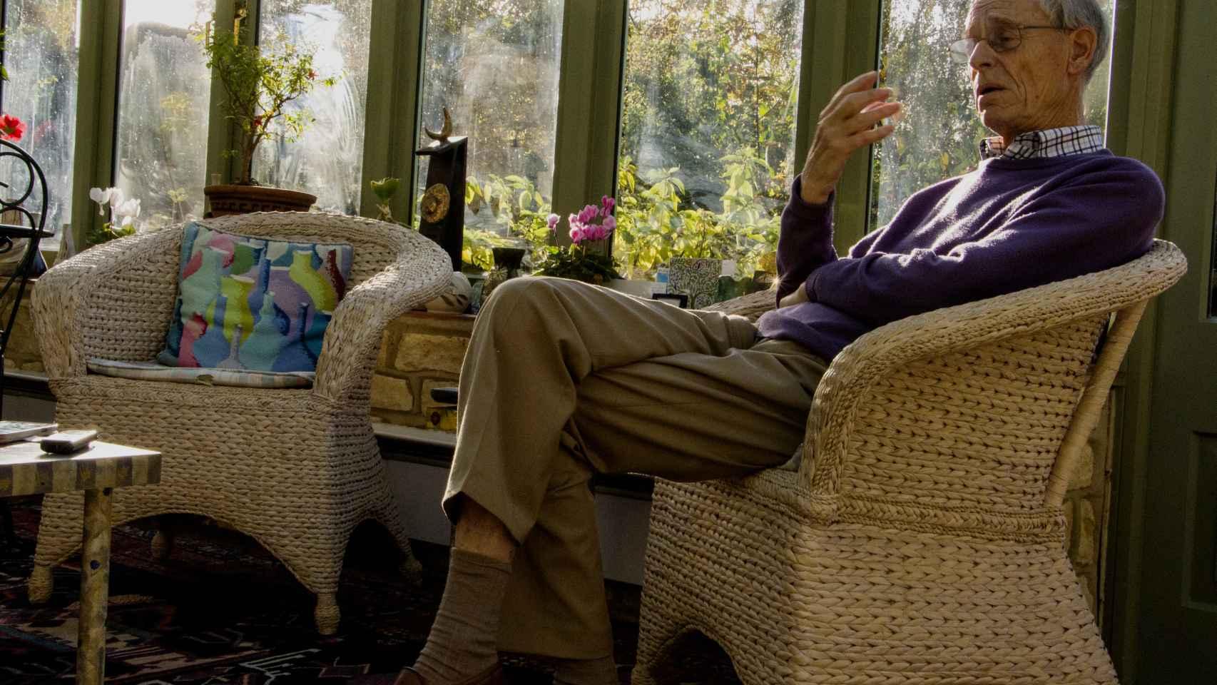 El historiador John H. Elliott en su casa a las afueras de Oxford.
