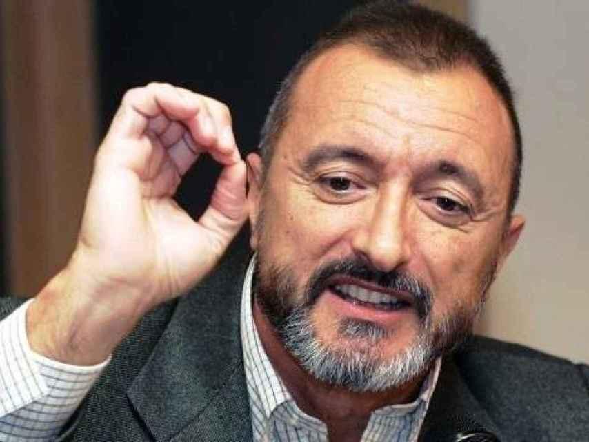 El autor de Falcó, Arturo Pérez-Reverte.