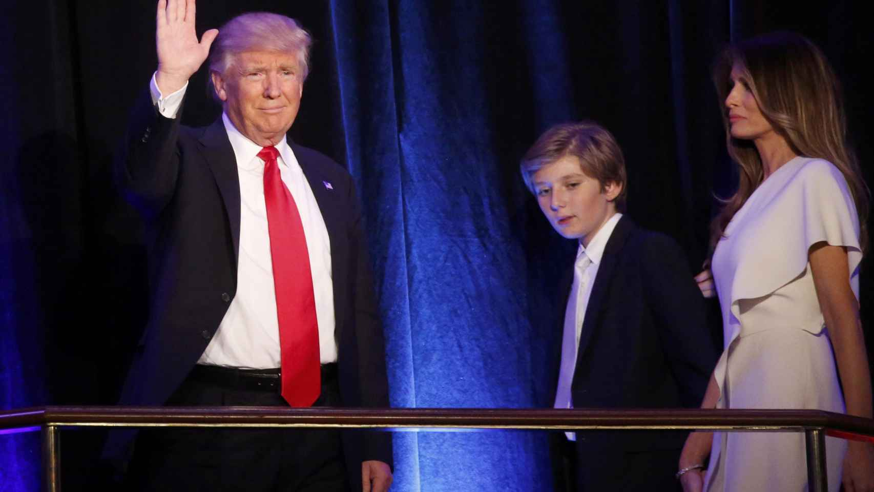 Trump comparece ante sus seguidores con un mensaje calmo y conciliador.