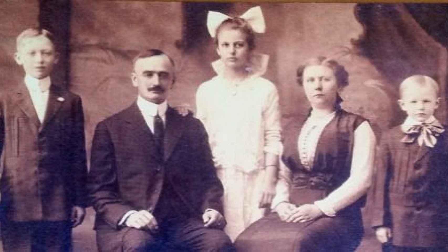 La familia de Friedrich Trump. De izquierda a derecha: Fred (padre de Donald), Friedrich, Elizabeth, Elizabeth Christ (abuela de Donald) y John.