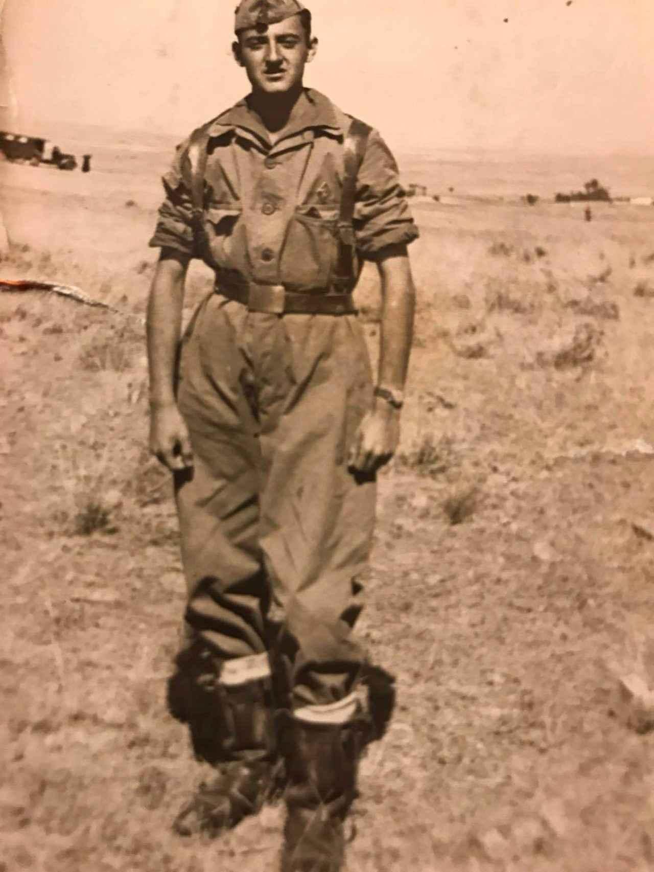 Ramón Mendoza durante el servicio militar