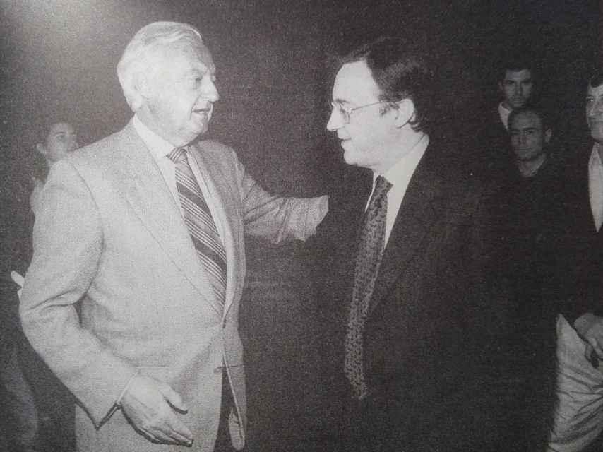 Ramón Mendoza y Florentino Pérez, tras las elecciones que ganó el primero.