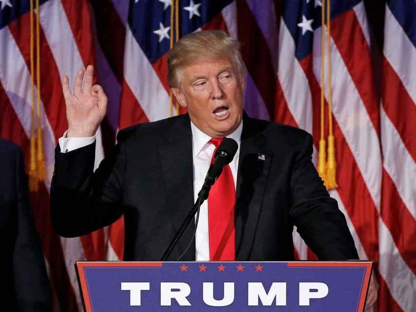 Donald Trump habla la noche de las votaciones en Manhattan.