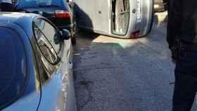 Así quedó el coche de la víctima tras el tiroteo.