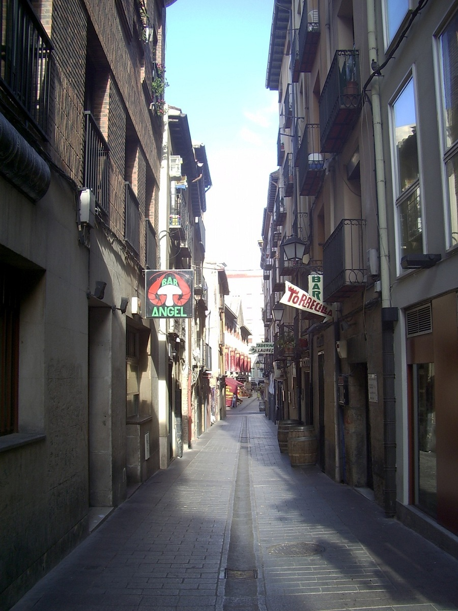 calle-laurel