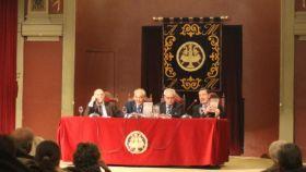 Raúl Guerra, César Navarro, Guillermo Gortázar y Pedro J. Ramírez durante la presentación del libro de historiador Gortázar.