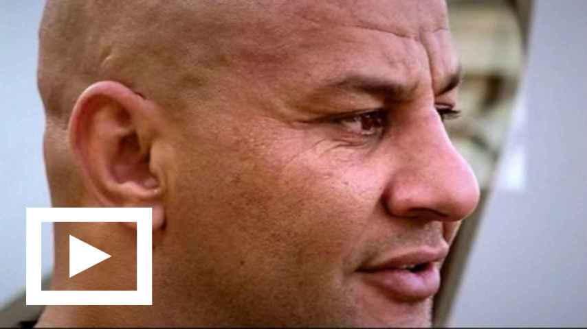 El capo de los policías raperos también aparece en un videoclip