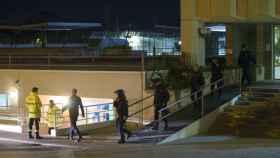 Agentes de la Policía Nacional actuando en el CIE de Murcia.