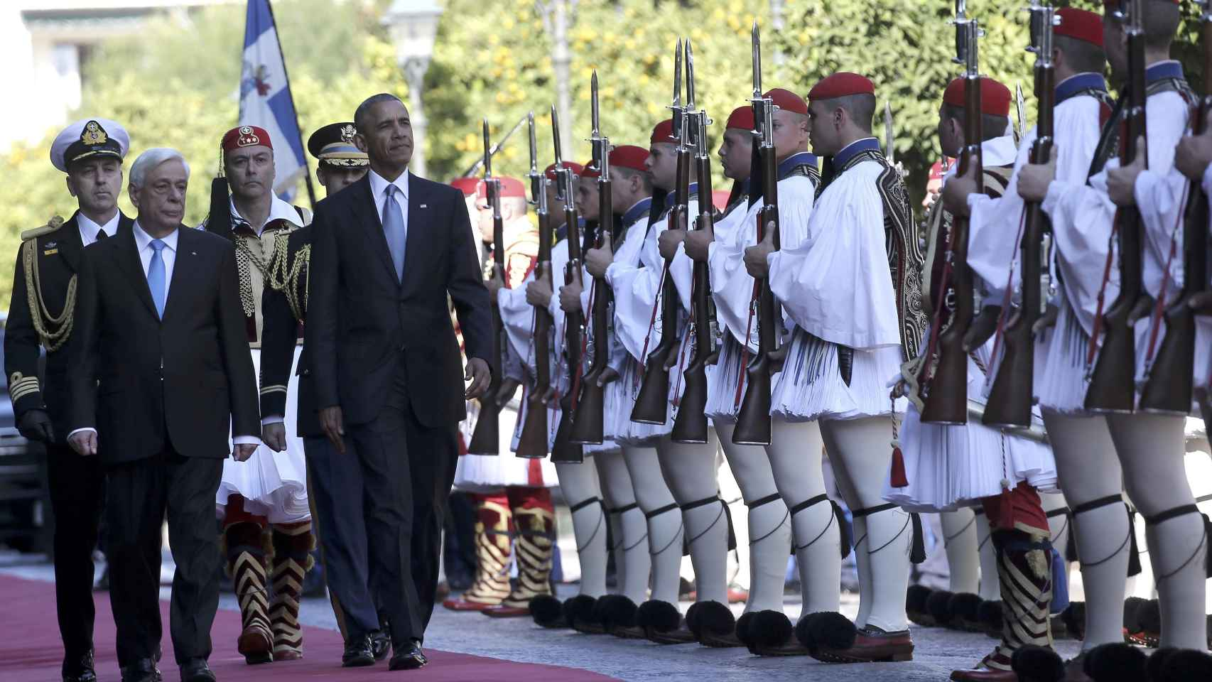 Obama a su llegada a Grecia.
