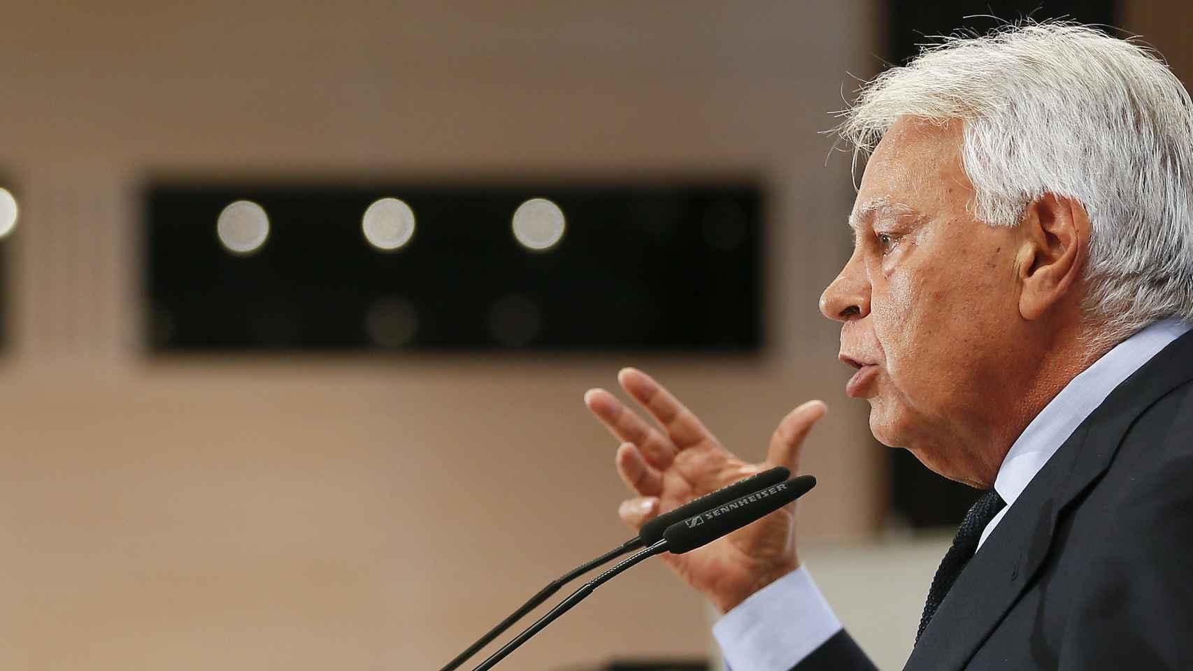Felipe González durante una intervención en Sevilla.