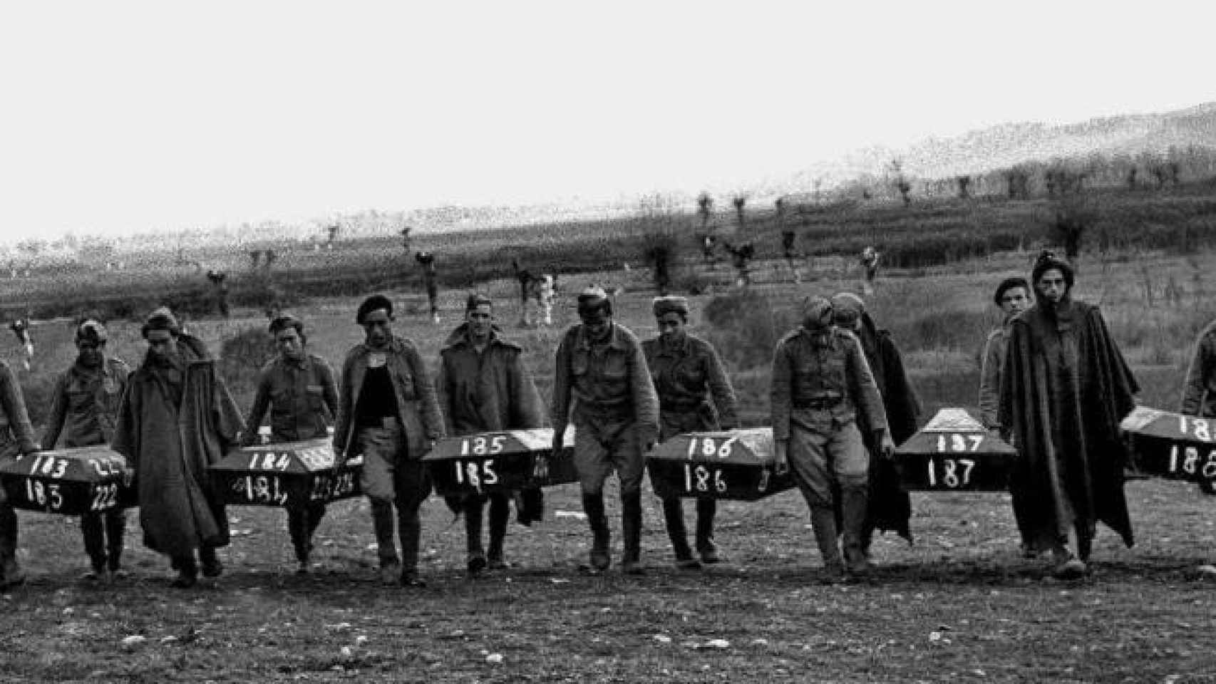 Cuando se terminó la Guerra Civil, se exhumaron los cadáveres fusilados en Paracuellos.
