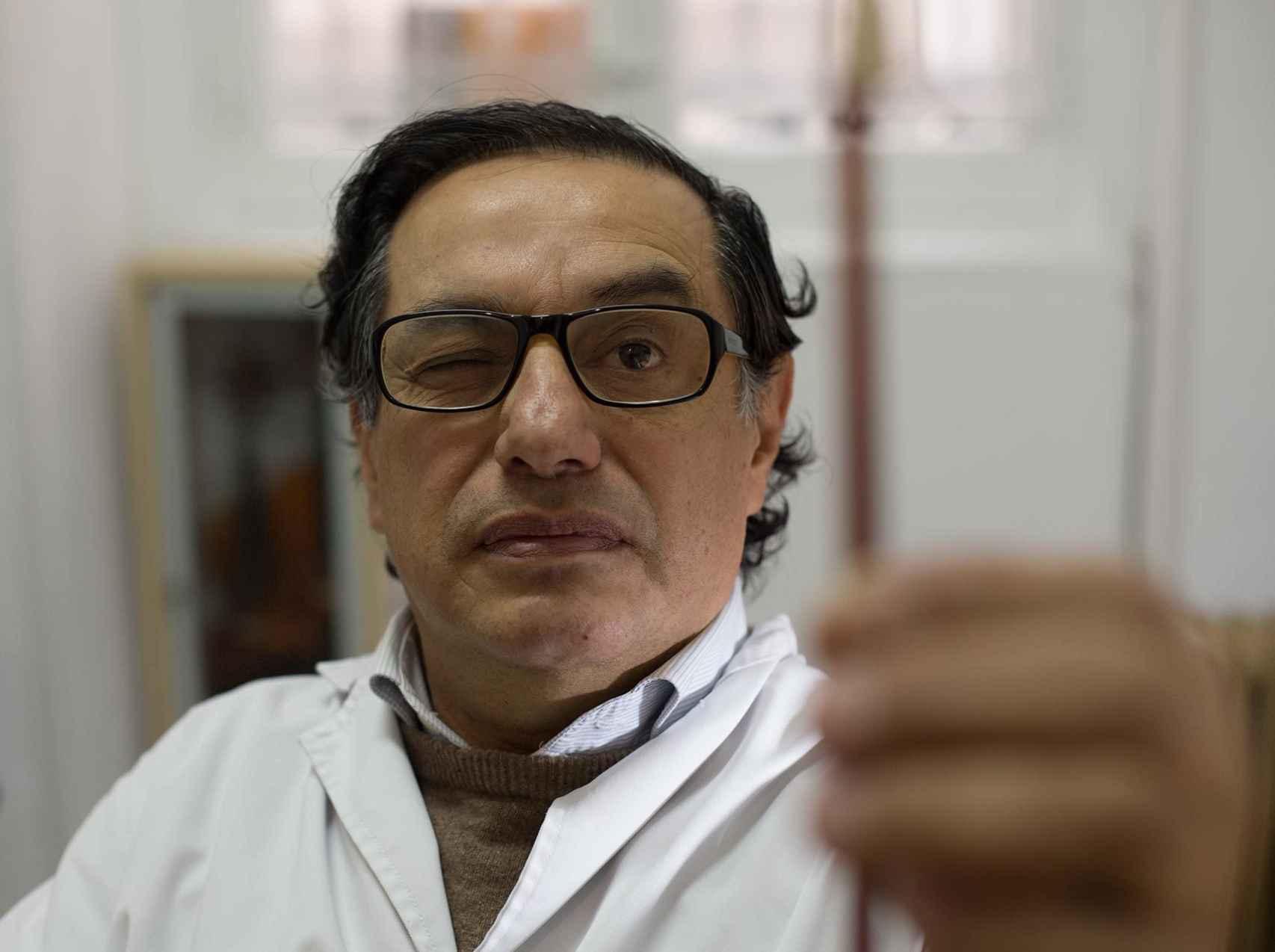 González es partidario de guardar los instrumentos.