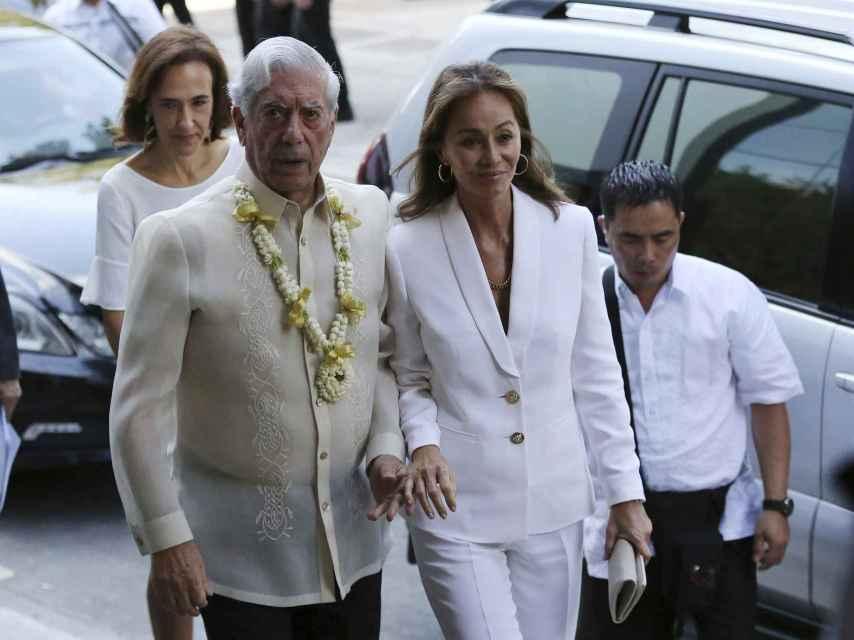 Isabel Preysler y Mario Vargas Llosa en su viaje a Filipinas hace unos días