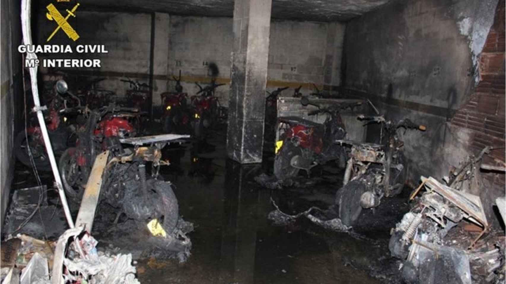 Estado en el que quedó el garaje de la empresa