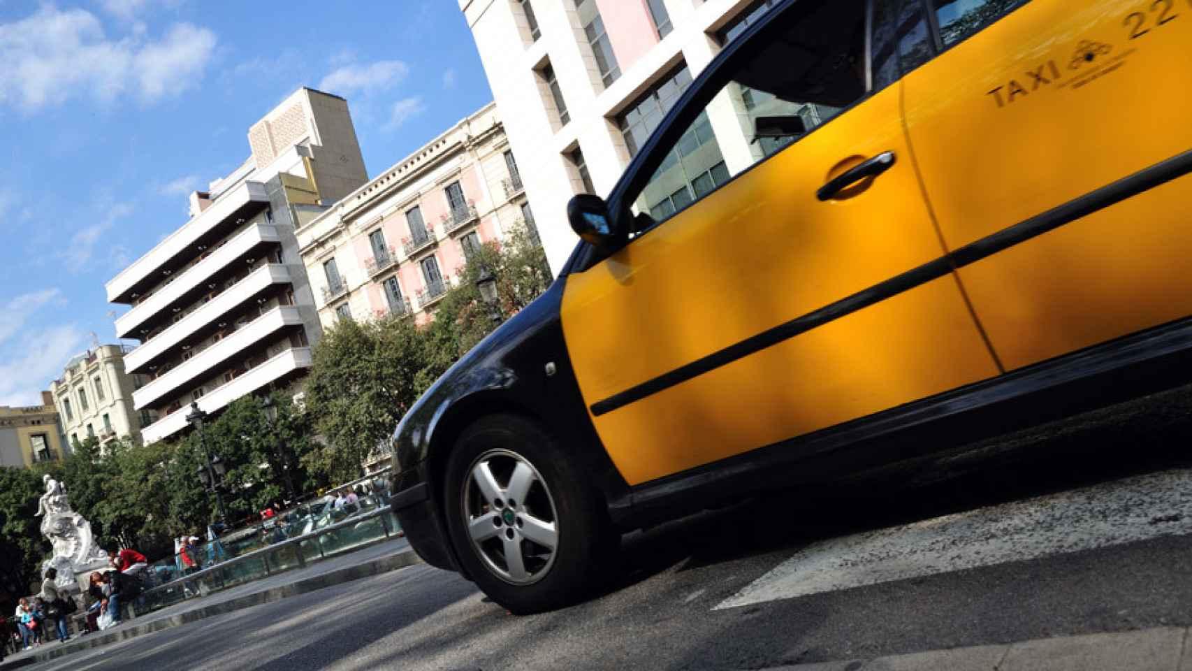 Un taxi en las calles de Barcelona.